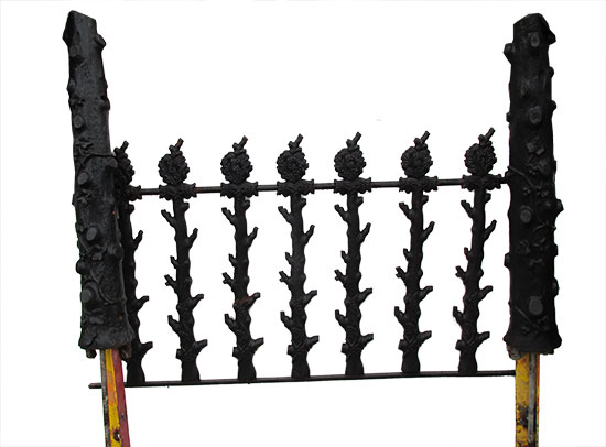 25′ Of Fancy Cast Iron Fencing With Post