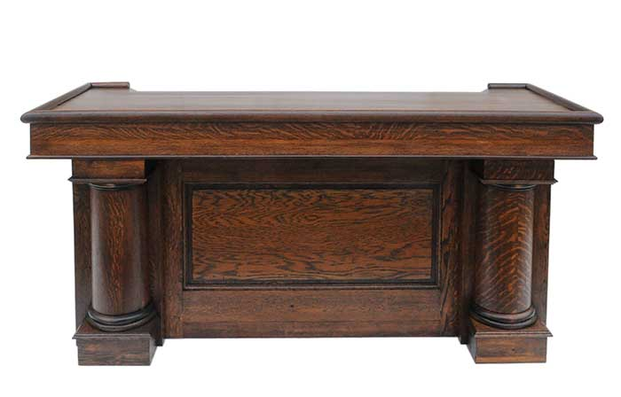 Rich, Tiger-Grain Oak Front Bar, with Round Columns