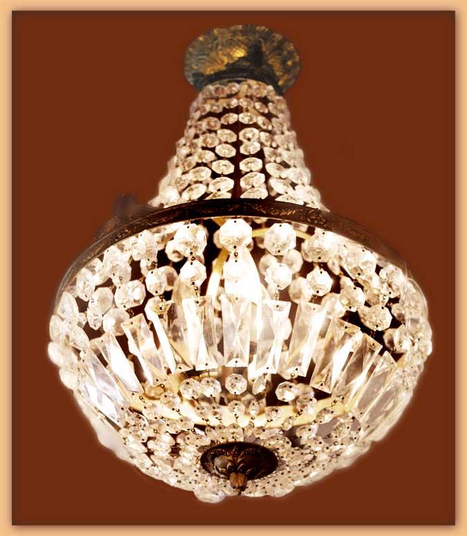 Medium Crystal Basket Light