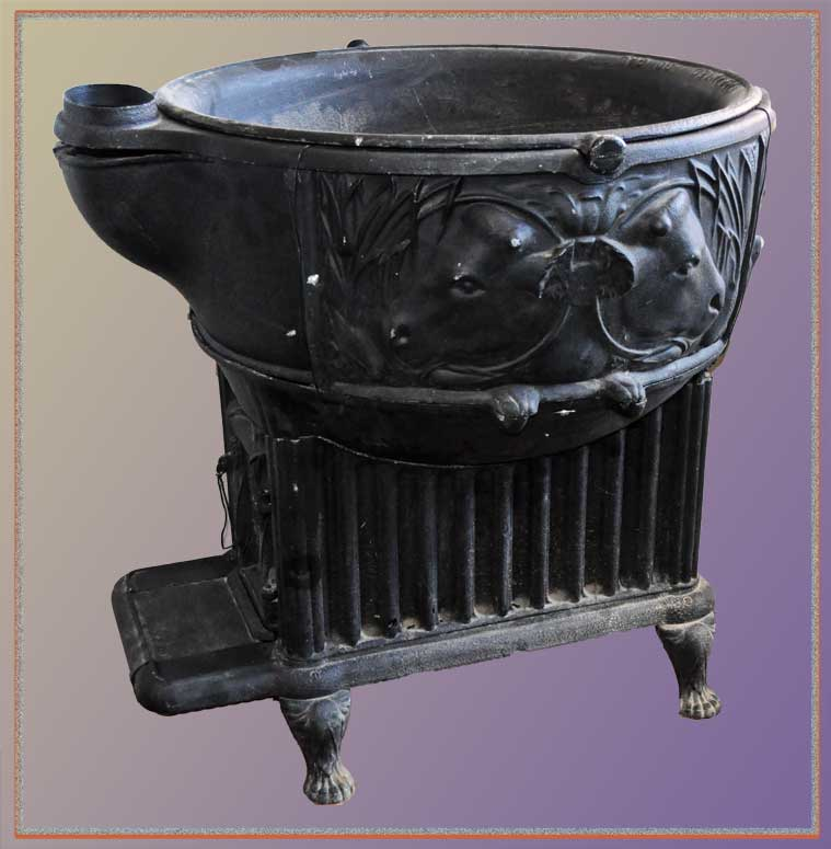 Large, Cast-Iron, Lard-Rendering Kettle/Stove