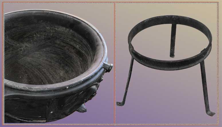 Large, Cast-Iron, Lard-Rendering Kettle/Stove