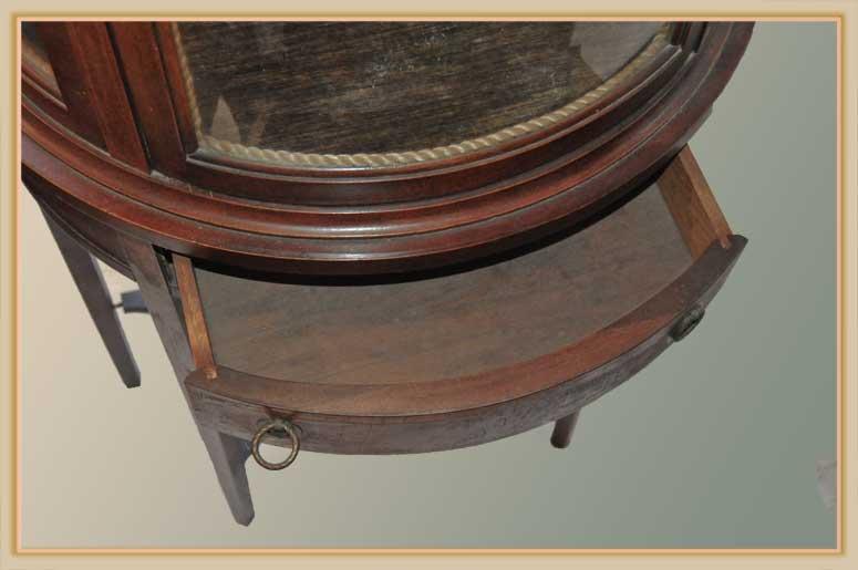 Rounded Mahogany Vitrine, with Glass Shelves
